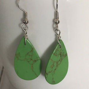 Jewelry - Green Teardrop Dangle Earrings